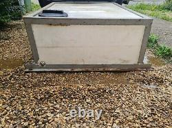 500 Litre Flat Water Storage Tank fith Frame Cage window cleaning