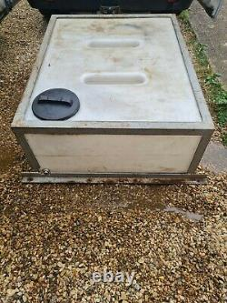 500 Litre Flat Water Storage Tank with metal Frame Cage window cleaning