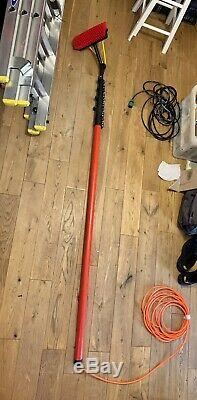 BAYERSAN GLASS FIBRE WATER FED POLE WINDOW CLEANING POLE AND BRUSH HEAD 30ft