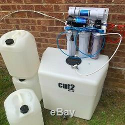 Custom made water fed window cleaning trolley and water purifier system