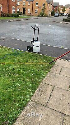 Water fed pole window cleaning trolley