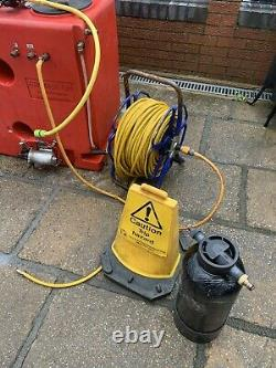 Water fed window cleaning equipment