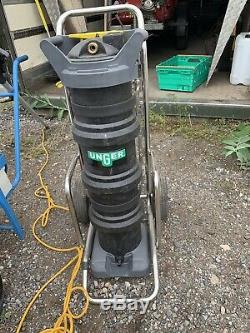 Window cleaning trolley water fed pole System Purifier