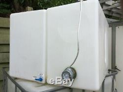 2 X 210 Litres Réservoirs D'eau Pure Du Pam, 1 Avec 3kw Immersion Nettoyage De Vitres
