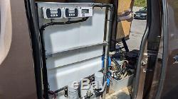 Bravo 650 L'eau Système Van Pôle Alimenté Prêt Pour Le Travail