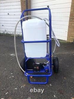 Chariot De Nettoyage De Fenêtre De Poteau Alimenté Par L'eau Et