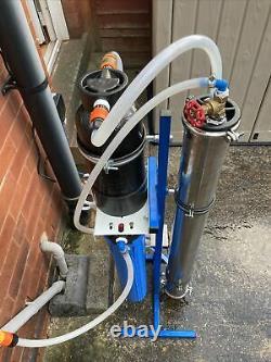 Détail De Voiture De Nettoyage De Fenêtre De Purificateur D'eau