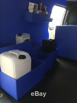 Fait Sur Mesure Les Réservoirs D'eau Pour L'eau Fed Pôle Nettoyage De Vitres Et Valeting Vans