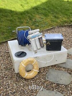 L'eau Alimentée Système De Nettoyage De Fenêtre Pôle Et Le Réservoir