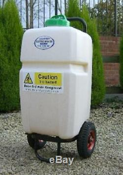 L'eau De Nettoyage De Vitres Alimenté Pulvérisateur De Jardin Pôle De Culture De Pulvérisation Chariot 35 Litres
