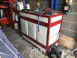 Nettoyage De Vitres De Réservoir D'eau Déroutée De 650 L