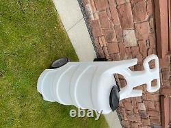 Nettoyage Des Fenêtres. Ionicsystems Système De Tolly D'eau Pure (capacité 80l)