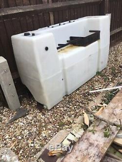 Nettoyage Des Vitres Nettoyage De Tapis Réservoir D'eau