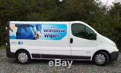 Nettoyage Des Vitres Van Professionnellement Équipée, L'eau Pure Fed, Pole System