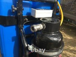 Rationaliser Le Chariot De Nettoyage Des Fenêtres Pour Le Système De Poteaux Alimentés À L'eau