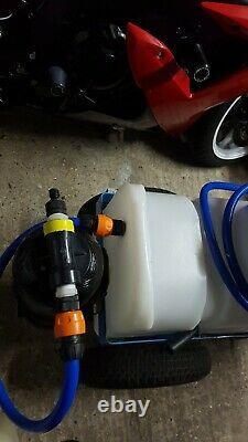 Rationaliser Le Système D'eau Pure De Chariot De Nettoyage De Fenêtre