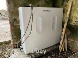 Réservoir D'eau 200l Pour Le Nettoyage De Fourgonnette Ou De Fenêtre. Presque Nouveau