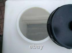 Réservoir D'eau De Nettoyage De Fenêtre 500l Litre Valeting Stockage Perplexe Droit