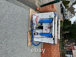Système De Nettoyage Des Fenêtres Alimenté Par L'eau