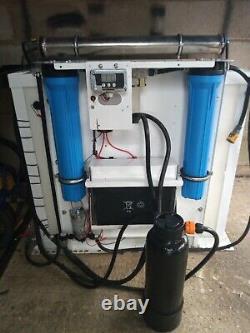 Système De Nettoyage Des Fenêtres Avec 4040 Ro Faire De L'eau Dans L'eau Van Alimenté Pôle 400ltr Bronzage