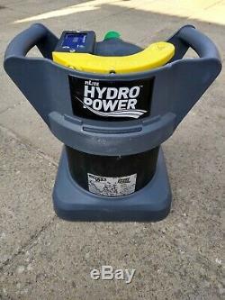 Unger Nlite Hydropower DI Instantanée De L'eau Pure Fed Pôle Fenêtre Nettoyage & Entretien